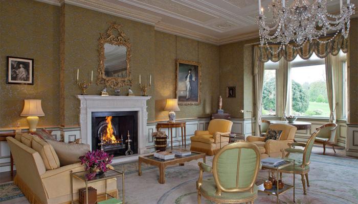 david et victoria beckham craquent pour un manoir anglais. Black Bedroom Furniture Sets. Home Design Ideas
