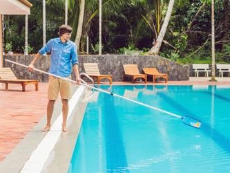 Comment assainir l'eau de sa piscine ?