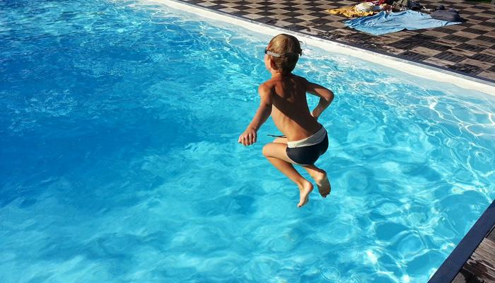 saut piscine
