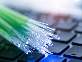 Comment bénéficier de la fibre optique chez soi ?