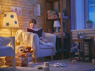 Créer un coin lecture dans une chambre d'enfant