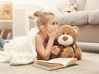Pourquoi le doudou de votre bambin est si important pour lui