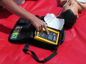 L'usage du défibrillateur