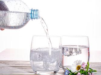 5 bonnes raisons de fabriquer votre eau pétillante