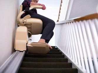 Le monte-escalier surmonte vos difficultés