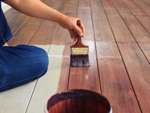 bricolage restaurer un parquet par la peinture. Black Bedroom Furniture Sets. Home Design Ideas