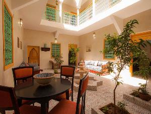 D co salon mille et une nuit for Decoration orientale salon