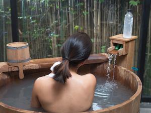 Hot Tub : Le Bain Au Feu De Bois